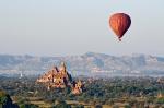 Balloon over Bagan 005