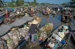 02-Schwimmender-Markt-im-Mekong-Delta_1
